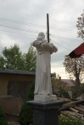 Фігура святого на території