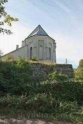 Костел св. Вікентія Де Поля. Вівтарна частина