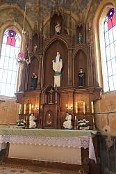 Новосілки. Вівтар каплиці Пресвятої Діви Марії
