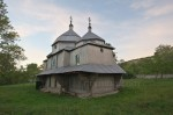 Воскресенська церква у селі Стінка. Вид на вівтарну частину