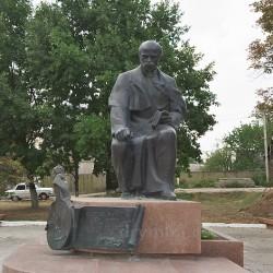 Пам'ятник Т.Г.Шевченку (м.Борщів, Тернопільська обл.)