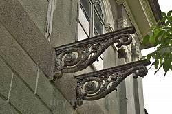 Литі опори балкона