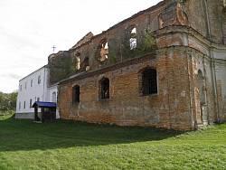 Північний фасад храму і монастирські будівлі