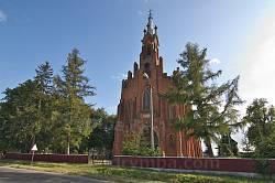 Костел св.Анни у  Озерянах. Вид з дороги