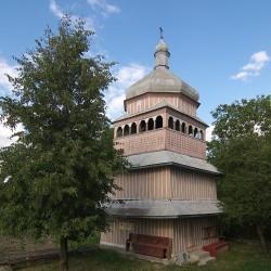 Озеряни. Дзвіниця церкви Христа-Царя