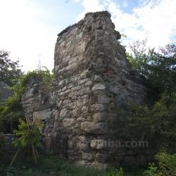 Озеряни. Залишки замкової башти