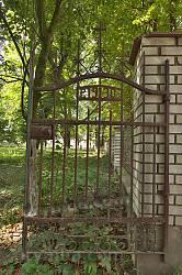 Старовинні ковані ворота 1930 року