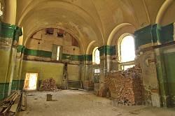 Інтер'єр костелу св. Генріха. Вигляд на колишню вівтарну частину