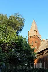 Вежа будинку зі шпилем