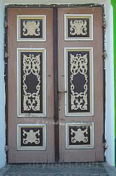 Головні двері