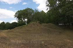 Мельниця-Подільська. Вали старого замку