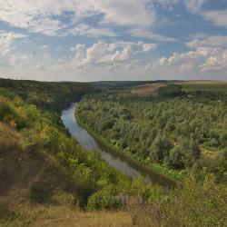 Вигляд на долину на долину Збруча поблизу Львівської брами