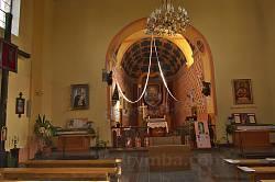 Окопи. Всередині костелу