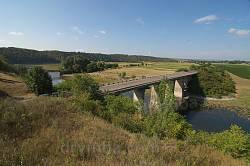 Ісаківці. Міст через річку Збруч