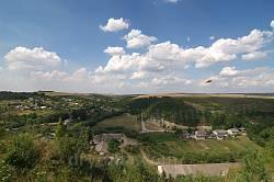 Вигляд із замкової гори на північ. Долина річки Циганка