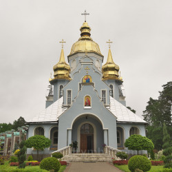 Брюховичі. Церква Введення у Храм Пресвятої Богородиці