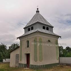 Колокольня храма