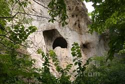Литячі. Печера пустельника у скелі