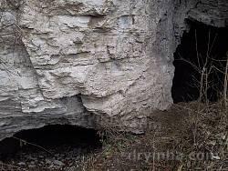 Вхід до печери