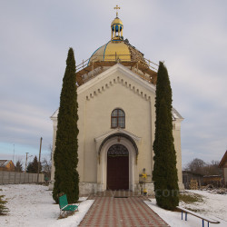 Церква св.Архангела Михаїла (с.Розваж, Львівська обл.)